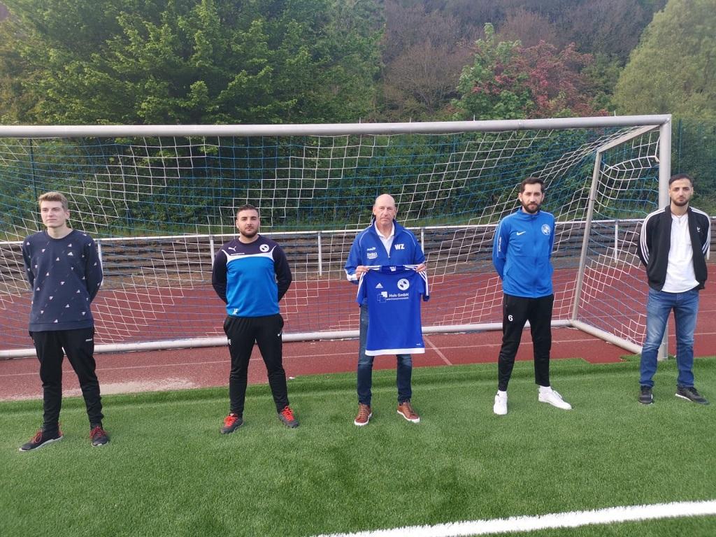 v. l.: Lucas Zimmermann, Hassan El-Khatib, Trainer Werner Zimmermann, Edvard Asllani, Ahmed El-Khatib